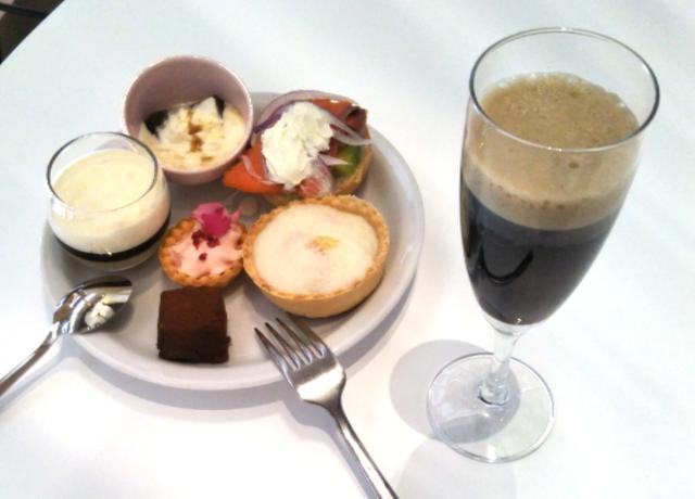 画像: 坂井シェフ・吉武シェフ考案の料理6品+「アイスクレマコーヒー」6杯分