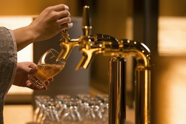 画像: 朝ビールで最高の贅沢気分
