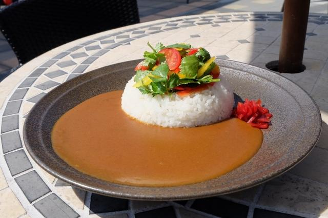 画像: 『アジアンカレー』 タイ風味の豚肉ミンチとパクチーを効かせた夏季限定カレー 価格:1000円(税込) 提供店舗:森のキッチン