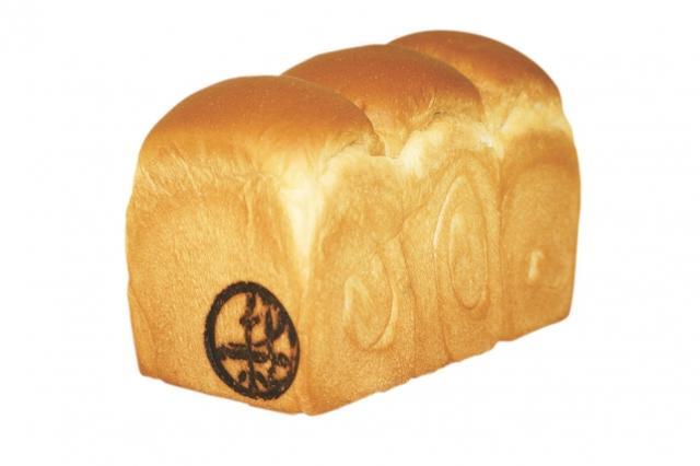 画像: 加賀極 焼き上げる本数に限りのある究極の一品。キメが非常に細かく、噛むほどに小麦本来の香ばしさと素材の深い甘みを強く感じられる最高級の食パン。 *6月販売