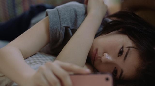 画像1: 浜辺美波さんと甲斐翔真さんが恋するイマドキ高校生を熱演!