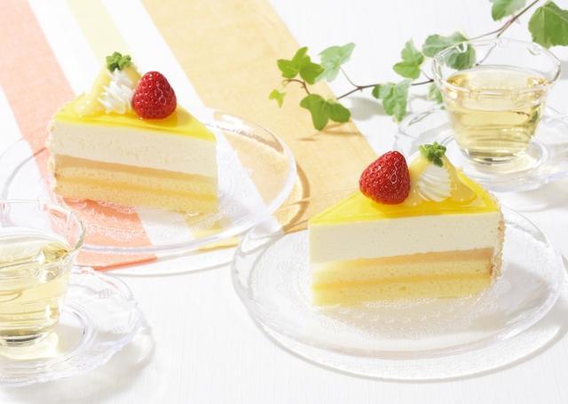 画像: 「夏のレアチーズ」 [NEW] 価 格: ¥420(税込¥453) 販売期間: 2018年5月14日~7月12日頃 特 長: レモン果汁を配合したチーズムースに、レモン風味のゼリーとクリームを合わせました。レモン風味のほど良い酸味が特長です。後味さっぱり!爽快感のあるレアチーズケーキです。