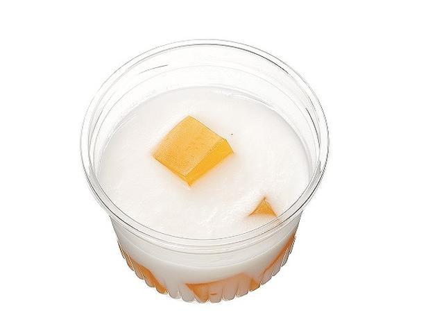 画像: ■オレンジゼリー&ヨーグルトプリン 本体価格100円(税込108円) なめらかな食感に仕上げたヨーグルトプリンの中に、酸味の利いたオレンジゼリーの ダイスカットを入れました。さっぱり食べられるカップデザートです。