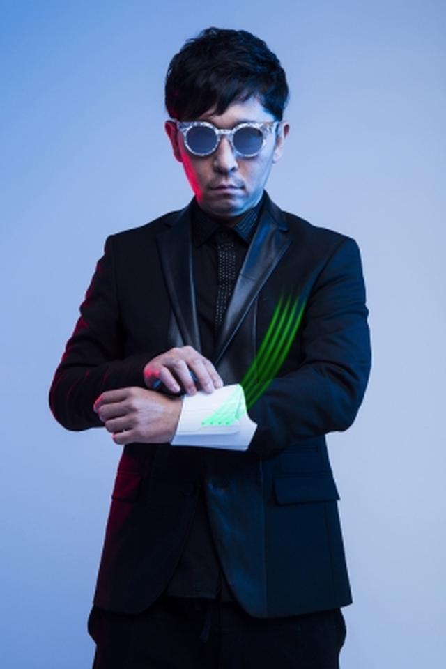 画像: ☆Taku Takahashi(m-flo, block.fm) 音楽家、DJ。1998 年にVERBALとm-flo を結成。個人では加藤ミリヤ、MINMI、NEWS など人気アーティストのプロデュースを行うほか、ドラマ・映画「信長協奏曲」やアニメ「Panty&Stocking with Garterbelt」、ゲーム「ロード オブ ヴァーミリオン III」等のサウンドトラックも監修するなど幅広い分野で活躍中。2011 年11月にblock.fm を立ち上げ、開局6年目を迎え新たな音楽ムーブメントの起点となっている。