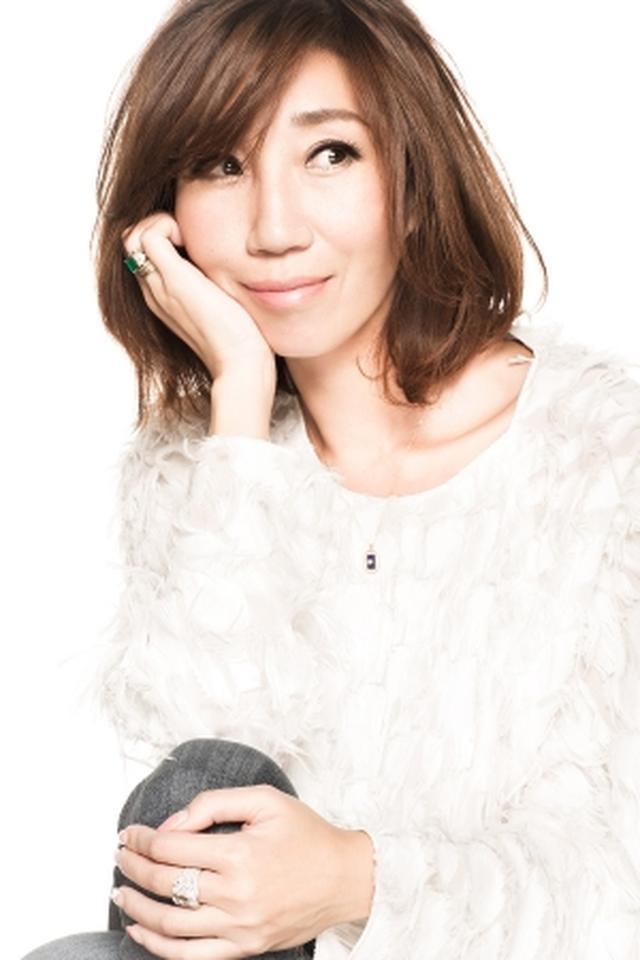 画像: 佐々木敬子 Keiko Sasaki stylist / fashion director / 株式会社MYLAN ceo・producer 広告やCM、雑誌など幅広いジャンルのスタイリストとして活躍。常に時代を牽引し、女性の個性と魅力を引き出すエッジィなスタイリングは、女優やモデル、アーティストから絶大な支持を得ている。また、ファッションブランドやジュエリーブランド等のディレクションやコラボレーションなども数多く手がけ、2013年よりスタートした自身のブランド「MYLAN」は、大人の上質なライフスタイルを提案。 書籍は『Ketty's FASHION LIFE』、『A FASHION Life KEIKO SASAKI 2006-2016』宝島社出版より発売。