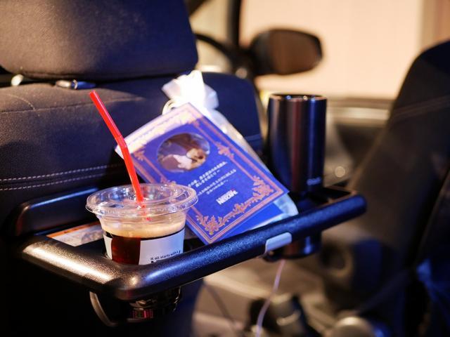 画像: 「眠れる森の美女タクシー」は5月17日〜6月1日の平日に限り運行中!