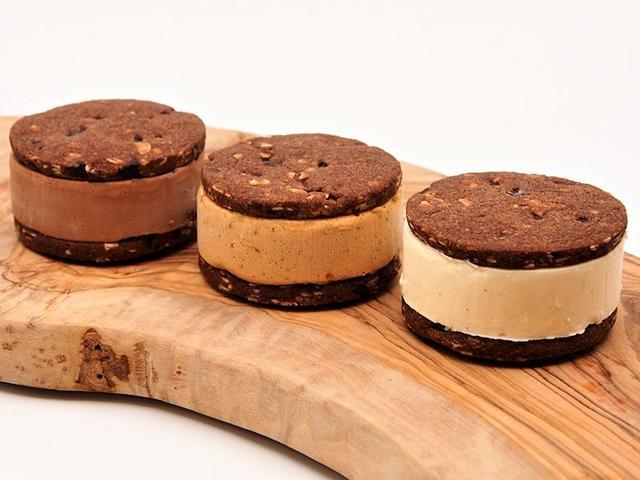 画像: クッキーサンドアイス:580円(税込)