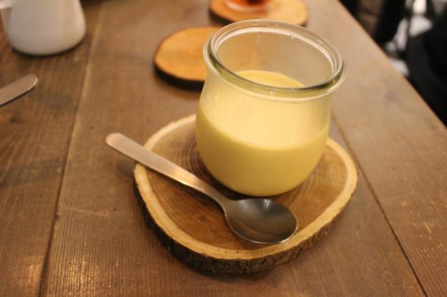 画像: 「川崎産モリモリ卵の小杉カフェプリン」 「コスギカフェ」時代から続くプリン。地元川崎のモリモリ卵を使った大人気プリンです。