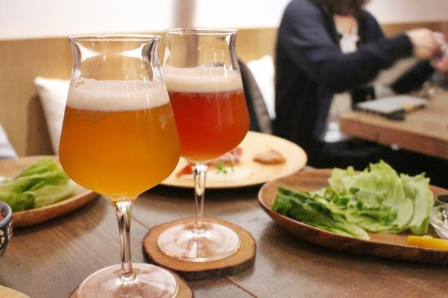 画像: チキンと合わせて飲みたいクラフトビールは、地元川崎のビール『ブリマー・ブルーイング株式会社』のクラフトビール、ペールエール、ゴールデンエールなど常時5種類を用意。