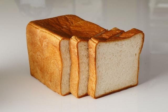 画像: 国産小麦「キタノカオリ」、八穀シリアルをブレンド。ヘルシーで味わい深いこだわりのトーストです。