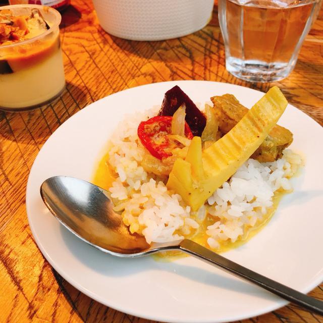 画像: 「成城石井自家製 鶏肉とさつま芋のベトナム風カレー」/¥599