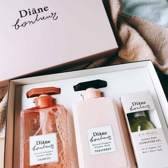 画像: バラとムスクの香りはほのかに感じることができます…