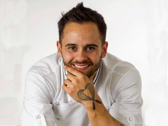 画像: Diego Lozano(ディエゴ・ロザーノ) 国籍ブラジル、年齢33歳 「Escola de Confeitaria Diego Lozano(ディエゴロザノ製菓学校)」代表取締役。 月刊誌「Magazine Açúcar 」社主。 人気TV番組「O CONFEITEIRO(スウィーツ)」プレゼンター