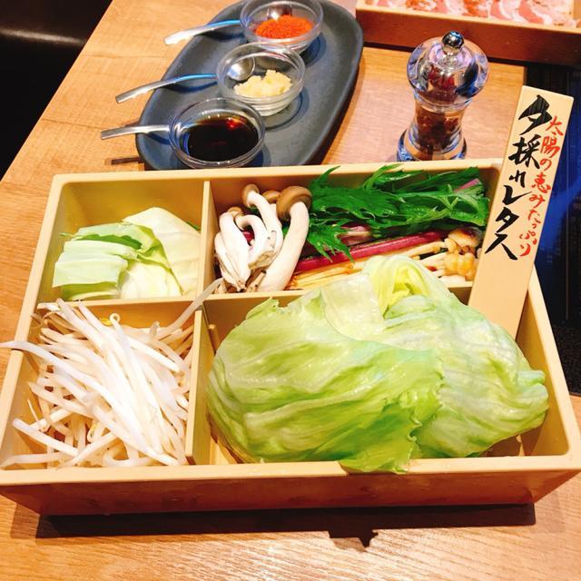 画像: キャベツ、夕採れレタス、シメジ、味エノキ、赤軸水菜