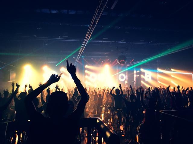 画像2: 6周年記念のライブはさらに豪華!!
