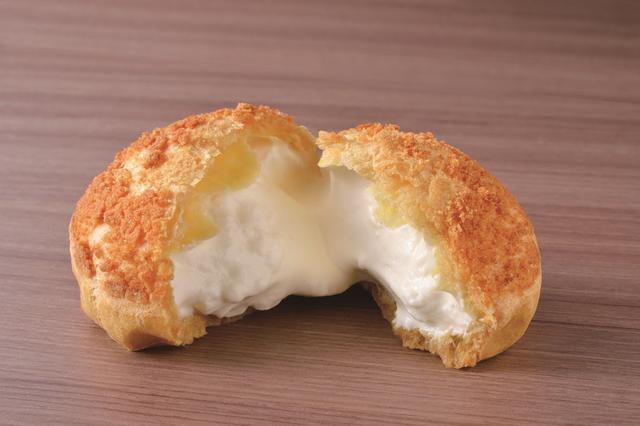 画像: <ミルクシュークリーム> 濃厚なミルククリームのシュークリームです。 1個 299円(税込)