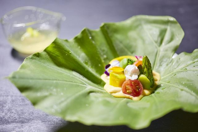 画像: POINT1/30種類以上の野菜を使用した懐石