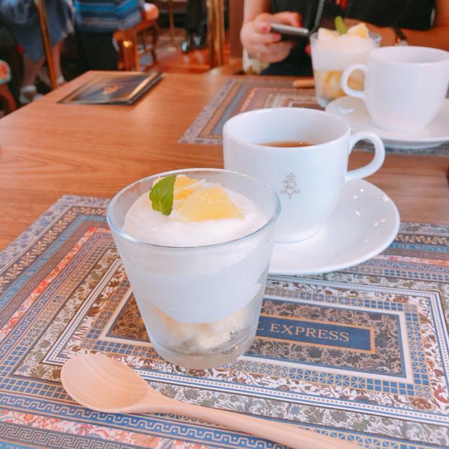 画像: ニューサマーオレンジのパルフェ/燻製紅茶(河津桜)