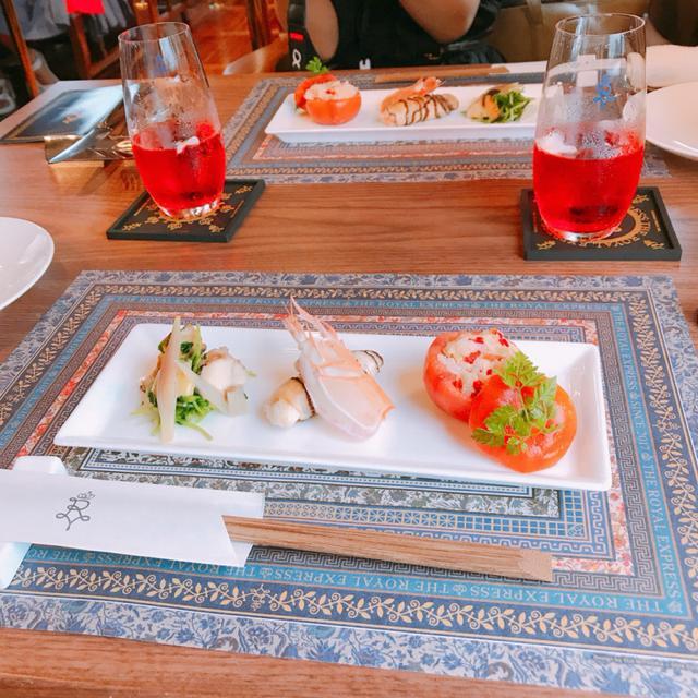 画像: 前菜3種 左から静岡産さざえと地野菜のぬた和え・沼津港より手長海老の椎茸巻き・由比のツナとトマトとお米のサラダ