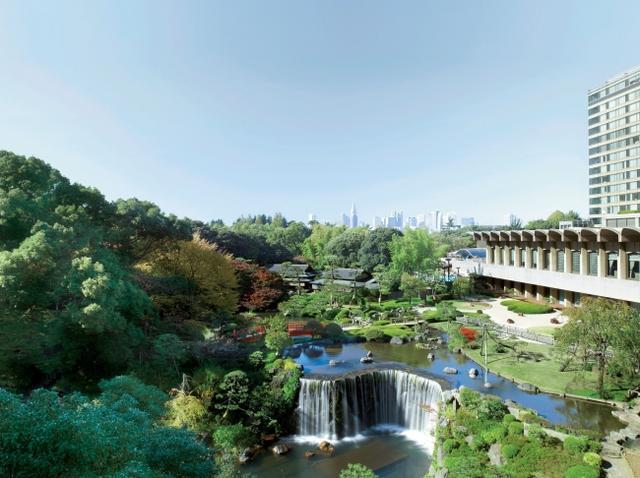 画像: 400年余りの歴史を有する圧巻の日本庭園ビュー