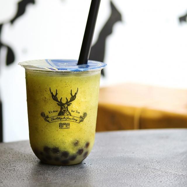 画像: キウイ丸ごと&特製ディリオカ仕上げ。 THE ALLEYのスムージーは夏だから飲みたくなる爽やかさ。