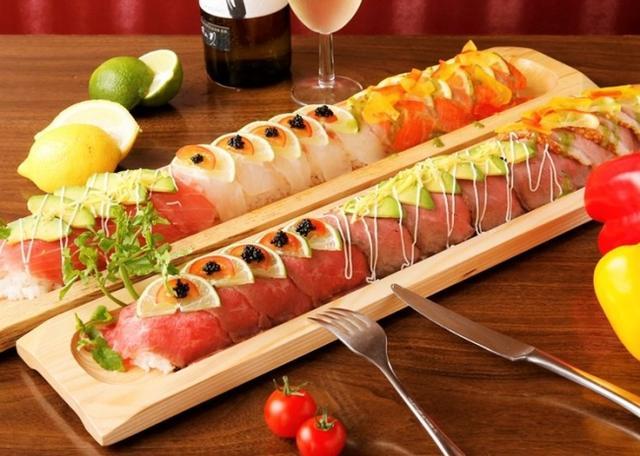 画像1: 驚愕!60cmのフォトジェ肉ロング寿司が新登場!