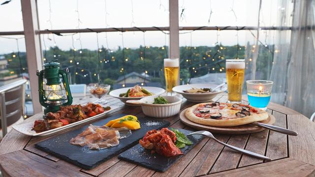 画像3: 富士山も見える絶景ビアガーデンで パクチーモヒートなどアジア各国の料理を楽しもう!