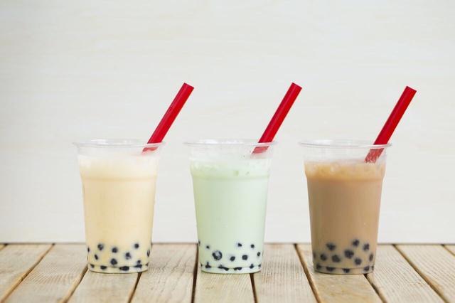 画像: 商品名:夕張メロンミルク ミルクティー 抹茶ミルク 価格 :500円(税込)