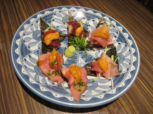 画像: うに✖肉寿司の盛り合せ/980円(税抜)