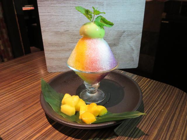 画像: レインボーかき氷/690円(税抜)