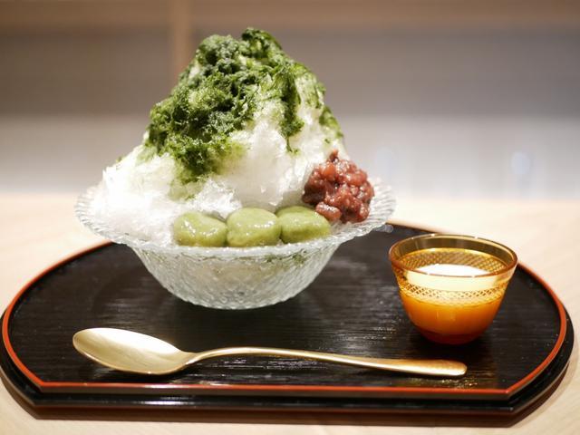 画像: 自家製!モリンガシロップと酒粕練乳のかき氷(980円税別)