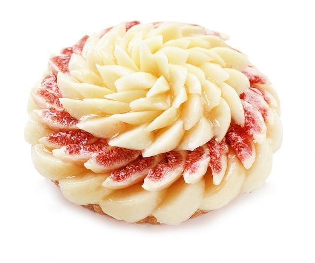 画像: 桃といちじくのケーキ(ベース:カスタードクリーム))