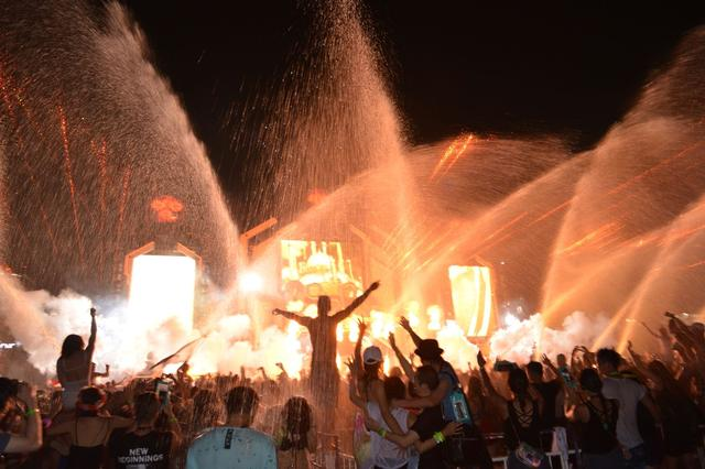 """画像4: 【開催レポート】2日間で2万人が来場し、日本初の""""ずぶ濡れフェス""""に熱狂!"""