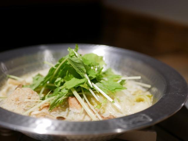 画像: 5F・とりいちずの水炊き鍋