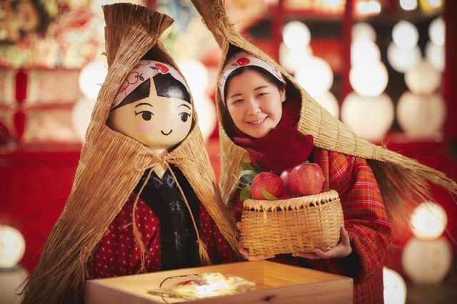 画像: 雪ん子の衣装を身に付けた雪ん子そっくりの販売機