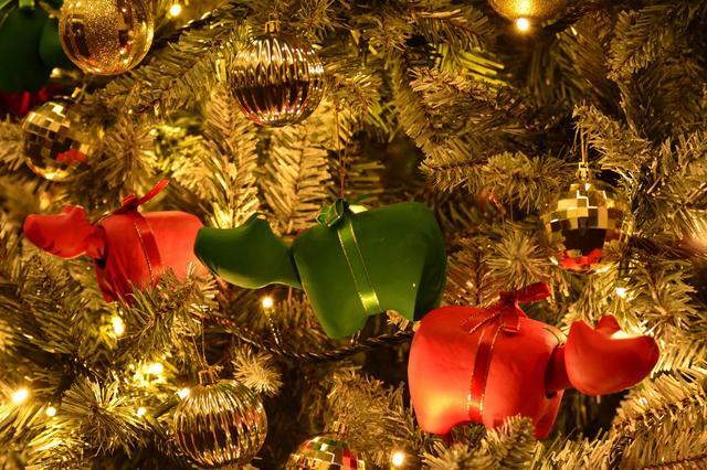 画像: 赤べこ×クリスマスのべこジェニックな設え