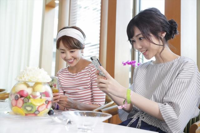 """画像1: """"フルーツ女子""""が岡山を旅しながらインスタ映え写真を撮りまくる!"""