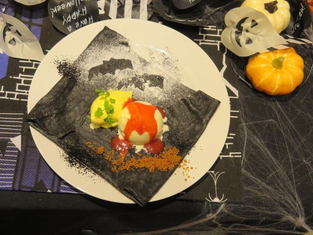 画像: メルシークレープ「ドラキュラクレープ」920円(税抜)※1日12皿限定