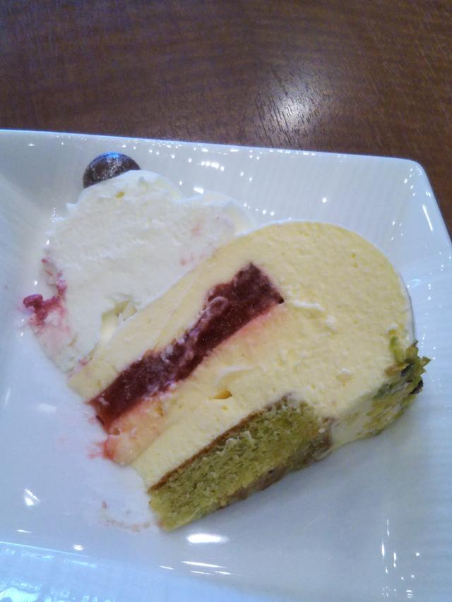画像2: 日本人に合わせて作られたクリスマスケーキ!ノエル ブラン