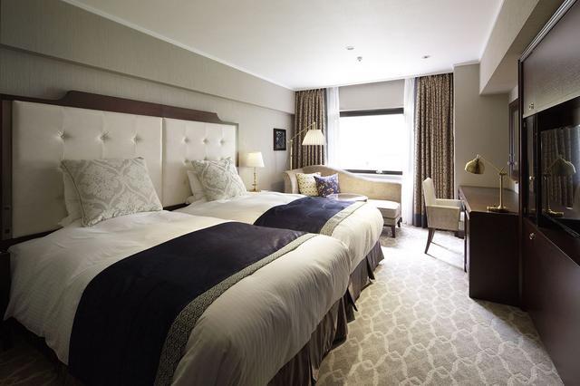 画像: ・グランコンフォート (18~33m2/134室) ※Twin/Double ノスタルジックモダンをデザインコンセプトに、落ち着きのある調度で、利便性を考慮した機能的かつ快適な客室。バスルームからベーシン(洗面台)を独立させ、高機能な水回りを実現いたしました。 ※グランコンフォートルームは134室と当ホテルで最も多い客室タイプです。