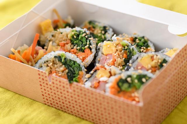 画像: (地下3階)韓美膳DELI「7種具材の野菜キンパ」/648円(税込)