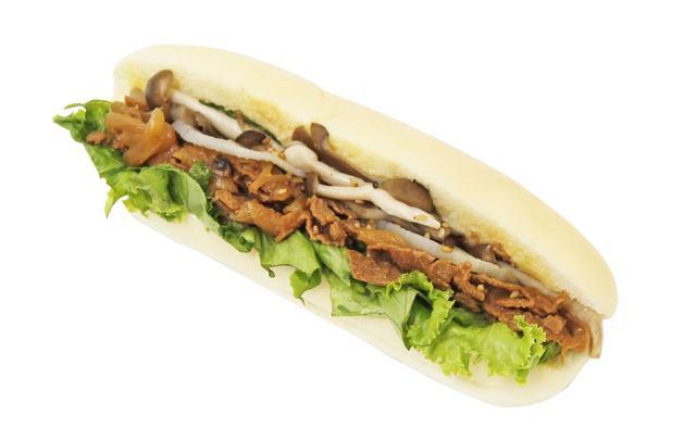 画像: soyミートのコッペパン(焼肉風)  本体価格351円(税込380円)