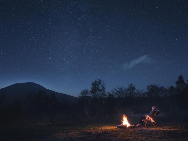 画像1: 月あかりに照らされた夜の森で感覚を研ぎ澄ます 「脱デジタル滞在・冬」開催