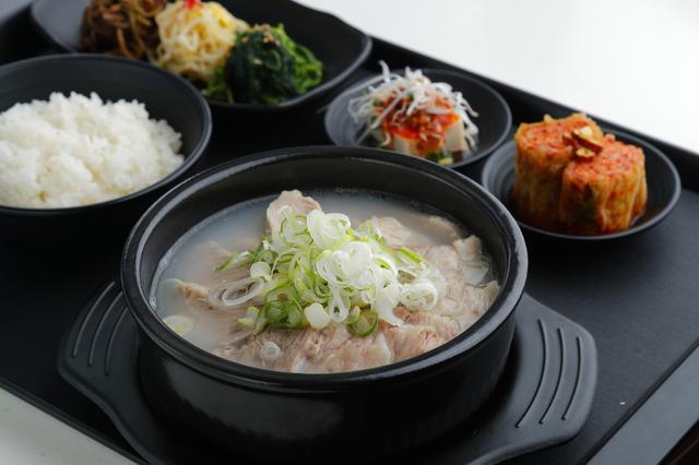 画像2: 新大久保で大人気の熟成肉専門店『ヨプの王豚塩焼』が新橋に!