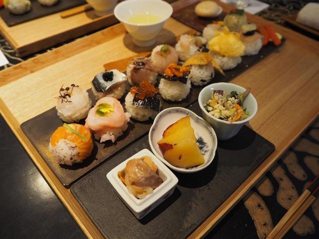 画像: 長月セット 3,600円 手鞠鮨14貫、天ぷら3種、茶碗蒸し、おばんざい3種、日本茶、モナカ