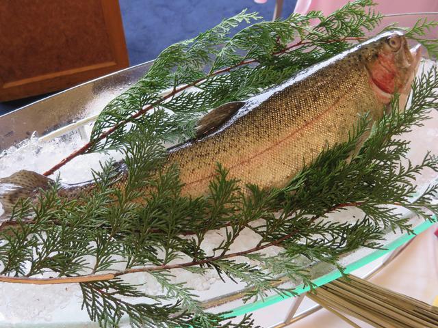 画像1: 栃木県・名産魚ヤシオマスのちゃんちゃん焼き