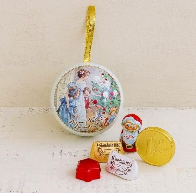画像4: クリスマスを楽しむ小さな姉弟や動物達を描いた物語オーナメント