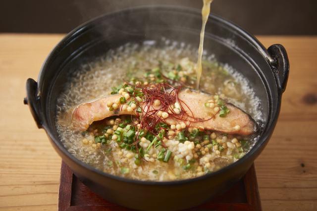 """画像2: アッツアツのお茶漬けד褒美玄米""""で体を温め栄養補給!"""