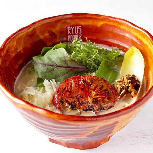 画像: 「カリフラワーポタージュのベジ味噌ラーメン」…980円