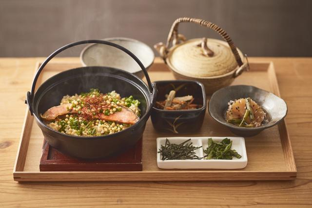 """画像1: アッツアツのお茶漬けד褒美玄米""""で体を温め栄養補給!"""
